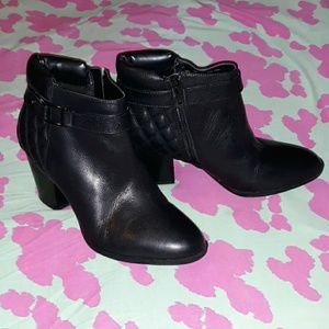 Shoes - Alfani Wakefeld Quilted Black Leather Boots 9.5